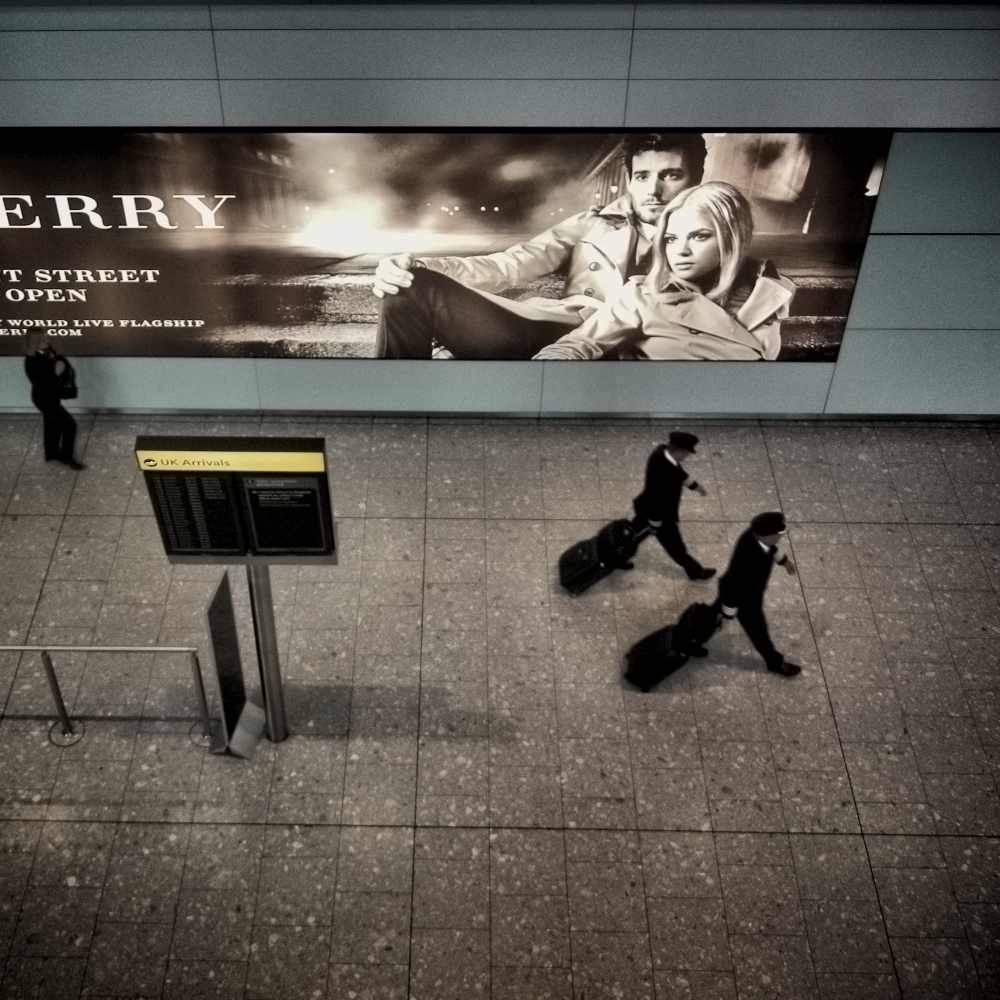 Marco Jacobs-10 heathrow burberry 2